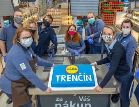Naši zamestnanci otvárajú novú predajňu v Obchodnom centre Laugaricio v Trenčíne