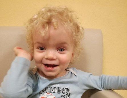Fotka malého Miška, ktorému pomohol Lidl v rámci projektu Od začiatku v dobrých rukách