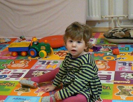 Fotka malej Emmky, ktorej pomohol Lidl v rámci projektu Od začiatku v dobrých rukách